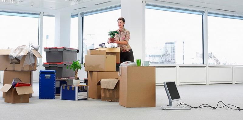 Không nên để đồ đạc hư hỏng lâu ngày trong văn phòng
