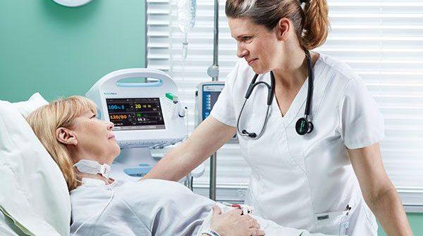 chăm sóc bệnh nhân sau mổ bướu cổ