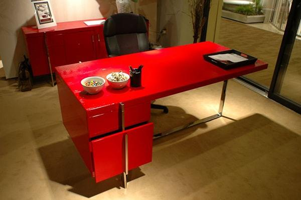 Kiểu dáng, màu sắc và kích thước bàn làm việc cho nữ tuổi đinh mão 1987