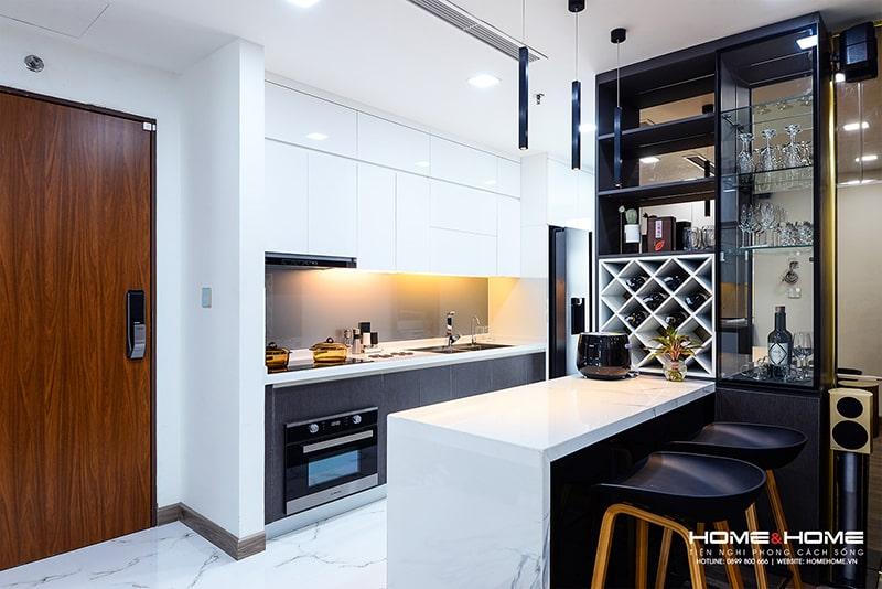 Thiết kế đảo bếp tiện lợi, có thể tận dụng làm bàn ăn, giúp tiết kiệm diện tích đáng kể