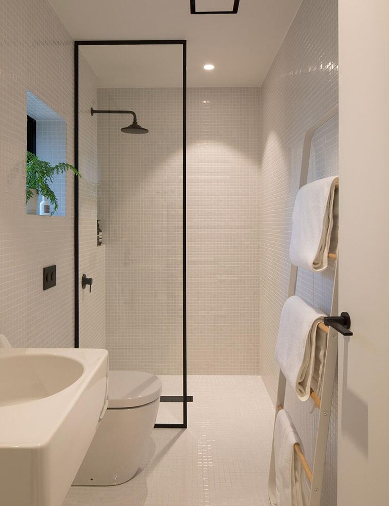 Vòi sen âm tường giúp không gian gọn gàng hơn (ảnh homestolove)