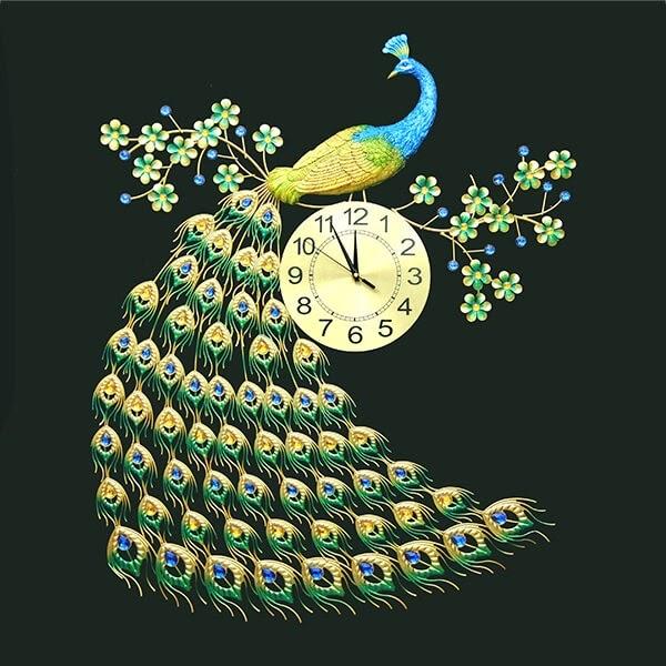 Mẫu đồng hồ treo tường hình chim công nổi bật